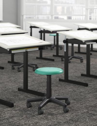 Sala de desenho com móveis Metadil.
